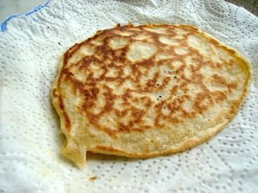 Pancakes, USA style pancakes, Jamie Oliver's Pancake recipie, thick pancakes, bubbly pancakes