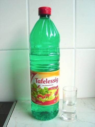 uses for vinegar, vinegar as fabric conditioner, vinegar household cleaner