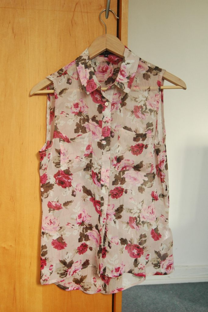 Rose-print Sheer Vest New Look